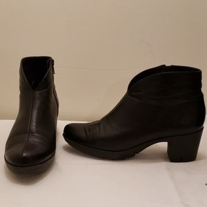 Munro Robyn ankle boot